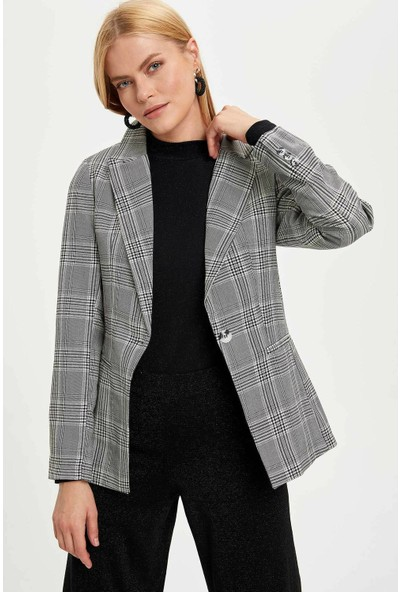 Defacto Kadın Kareli Slim Fit Blazer Ceket