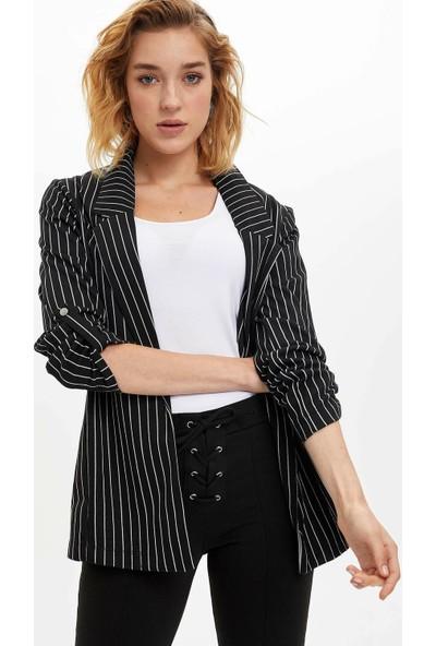 Defacto Kadın Katlanabilir Kollu Çizgili Blazer Ceket
