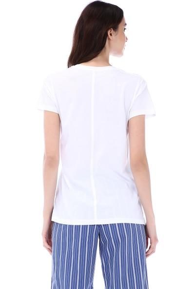 Kapsulstore Yandan Yırtmaçlı V Yaka Beyaz T-Shirt