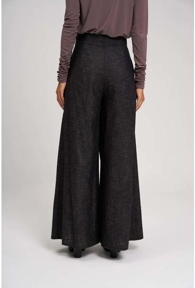 Mizalle Kadın Pileli Bol Paça Pantolon