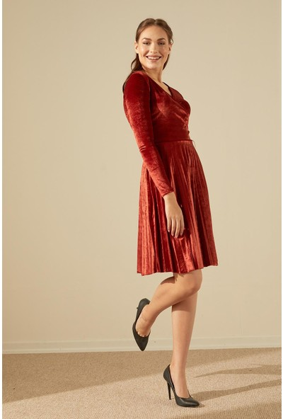 Trendmay Kadın Kruvaze Piliseli Kadife Elbise-Kremit