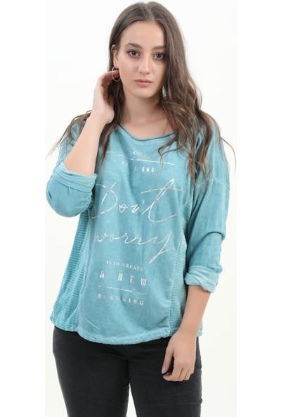 Pua Fashion Kadın Bluz Petrol Önü Yazılı Arkası İpli Bluz