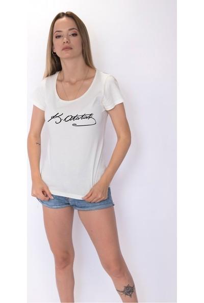 Angemiel Wear Mustafa Kemal Atatürk İmzası Pamuklu Kadın Beyaz T-Shirt