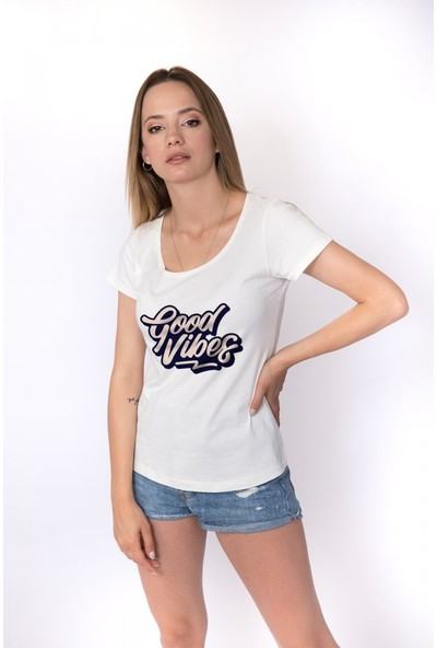 Angemiel Wear Good Vibes Pozitif Enerji Pamuklu Kadın Beyaz T-Shirt