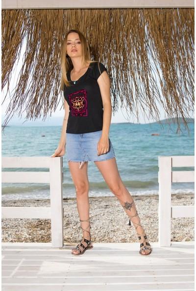 Angemiel Wear Çerçeveli Aslan Pamuklu Beyaz Kadın T-Shirt