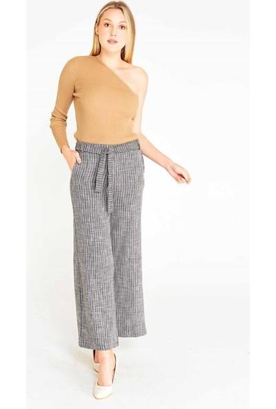 Mısocıal Kadın Çizgili Kuşaklı Bol Paça Kumaş Pantolon