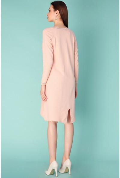 FullaModa Broşlu Yakası Simli Triko Elbise