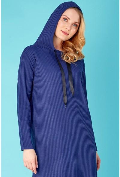 FullaModa Yanları Yırtmaçlı Kapüşonlu Triko Elbise