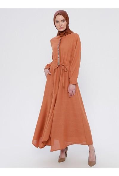 Nilüfer Kamacıoğlu Taş Detaylı Keten Elbise Turuncu
