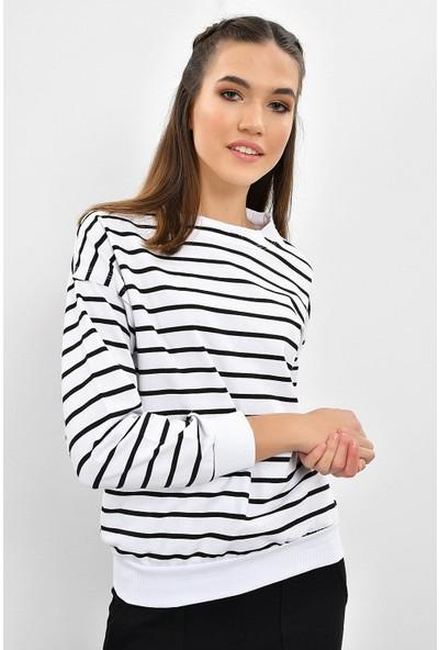 Tena Kadın Beyaz Sıfır Yaka Çizgili Sweatshirt 9KBSW3012-1