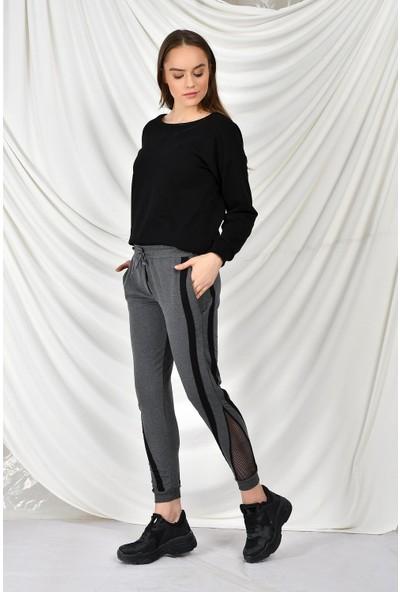 Tena Moda Kadın Antrasit Yanı Şeritli Paça File Detaylı Eşofman Altı 9KBESTN3552