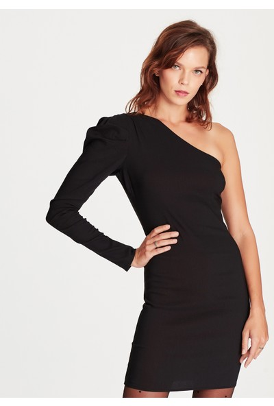 Mavi Kadın Tek Omuz Siyah Elbise
