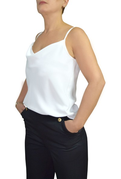 Arzu Gürbüz Kadın Beyaz Kolsuz Bluz