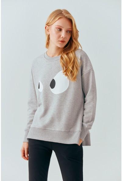 Cream&Rouge 19-2047 Sweatshirt Göz Baskılı Yırtmaçlı