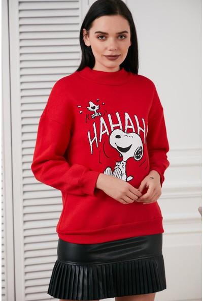 Hds Hadise Kırmızı Ha Ha Ha Snoopy Baskılı Sweatshirt 6774