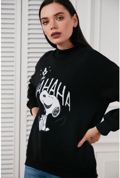 Hds Hadise Siyah Ha Ha Ha Snoopy Baskılı Sweatshirt 6774