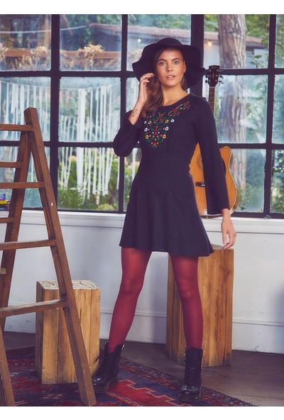 Clandestino İşlemeli Bohem Volan Kollu Elbise Siyah
