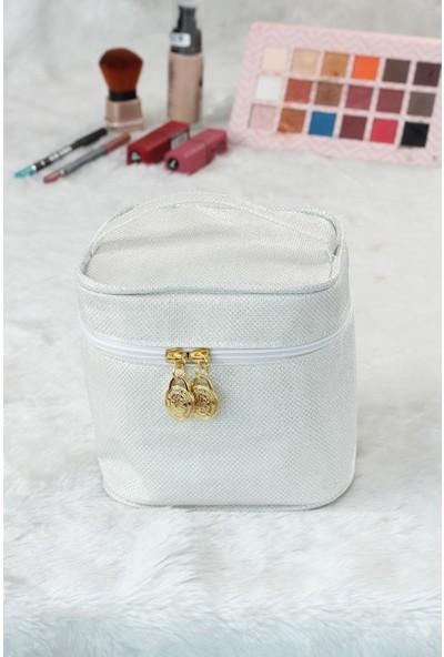 MCN755 Beyaz Renk Kare Form Makyaj Çantası