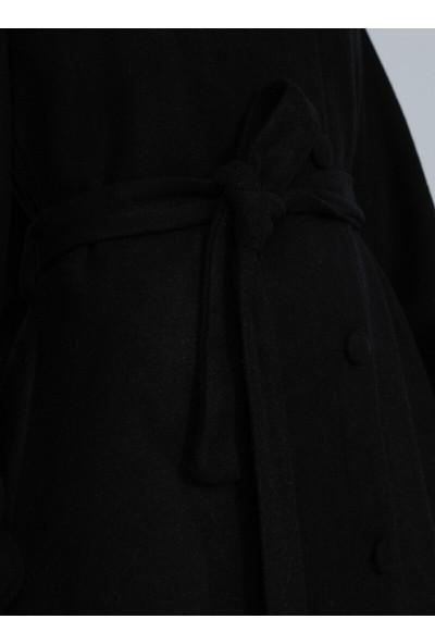 Tavin Kolları Lastik Detaylı Kaban - Siyah