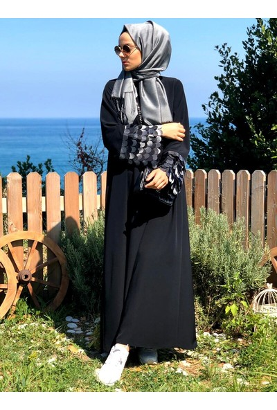 Kübrabiriktir Siyah Pul Kollu Siyah Elbise