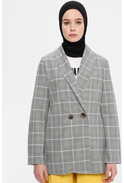 A Point Kadın Ekoseli Ceket