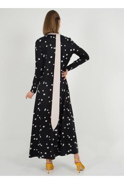 Liolle Kadın Yakası Kuşaklı Puantiyeli Elbise