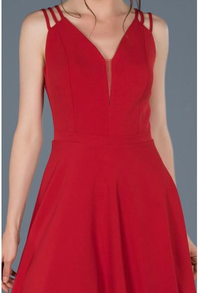 Dans Kırmızı Askılı Elbisesi