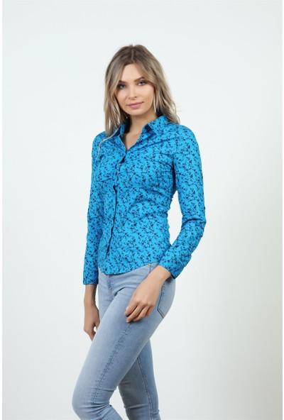 Konilya Desenli Flora Mavi Likralı Gömlek