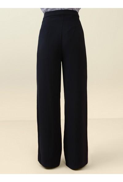 Nihan Peker X Modanisa Kadın Klasik Kumaş Pantolon