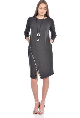 Modkofoni Takı Detaylı Şeritli ve Uzun Kollu Bisiklet Yaka Füme Elbise