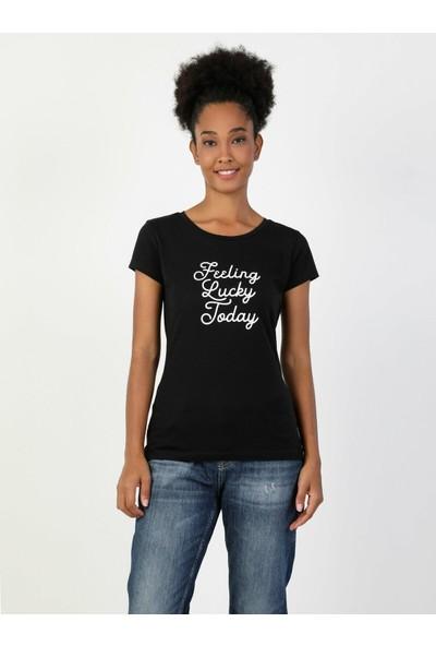 Colin's Kadın Kısa Kollu T-Shirt