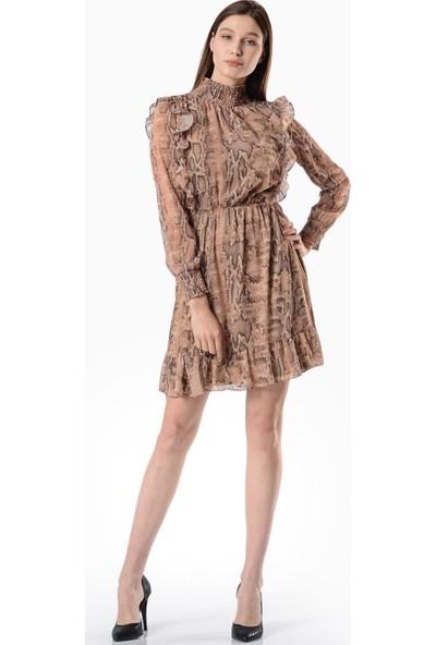 İroni Yılan Desenli Fırfırlı Elbise