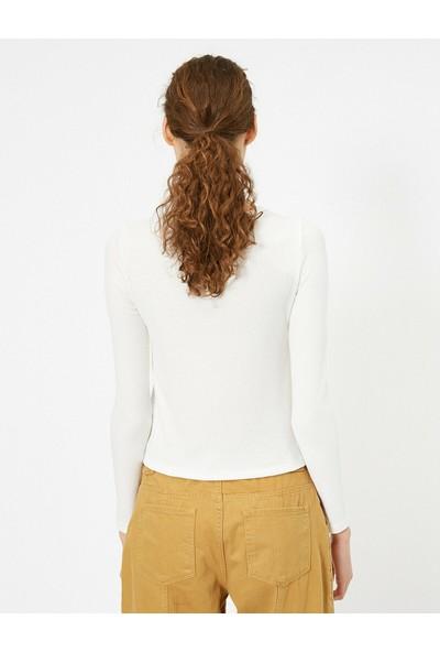 Koton Yaka Detaylı T-Shirt