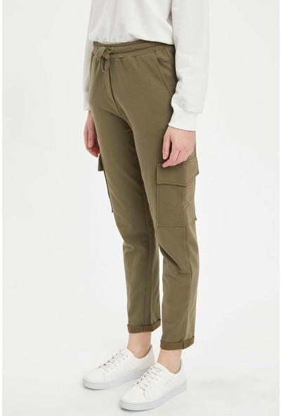 DeFacto Kadın Cep Detaylı Jogger Pantolon