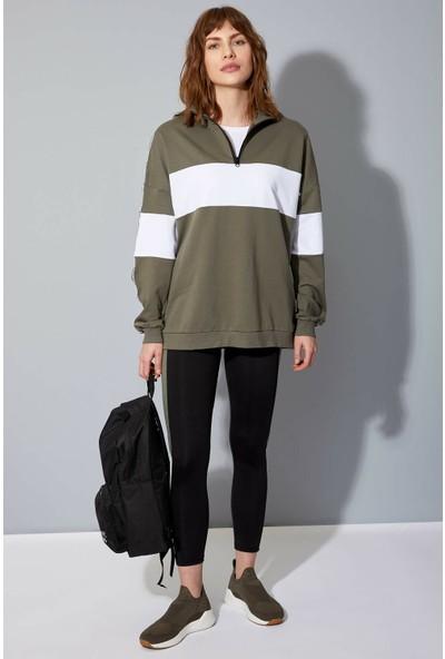 DeFacto Kadın Relax Fit Baskılı Renk Bloklu Sweatshirt