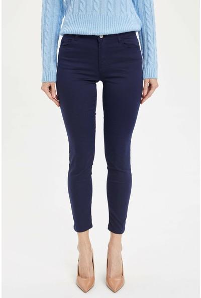 DeFacto Kadın Slim Fit Dokuma Pantolon
