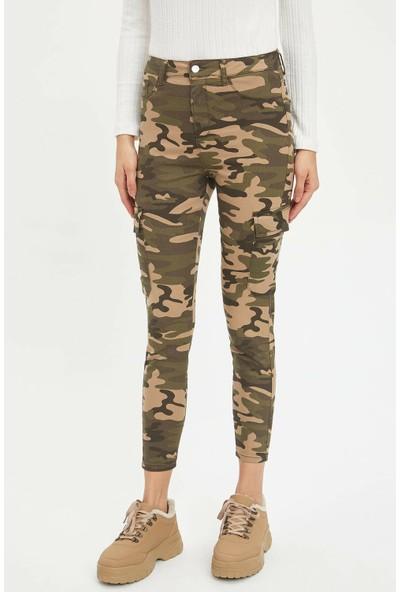 DeFacto Kadın Super Skinny Kamuflaj Baskılı Pantolon