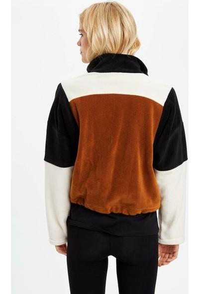 DeFacto Kadın Yakası Fermuarlı Desenli Sweatshirt