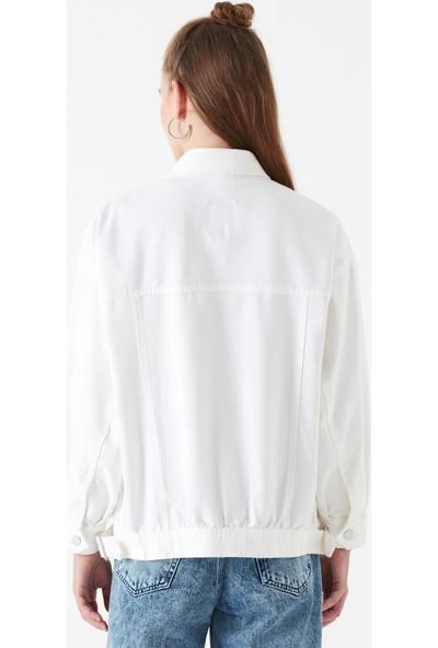 Mavi Kadın Cepli Beyaz Uzun Ceket