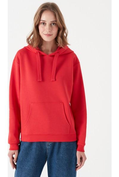 Mavi Kadın Kapüşonlu Kırmızı Sweatshirt