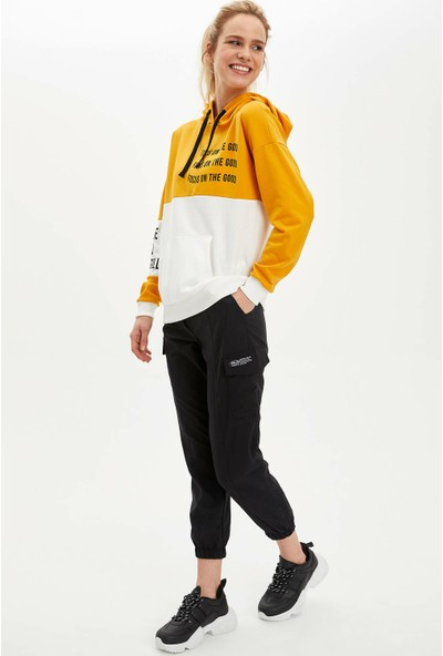 DeFacto Kadın Renk Bloklu Kanguru Cepli Kapüşonlu Sweatshirt