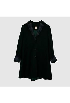 Yargıcı Kol Detaylı Palto