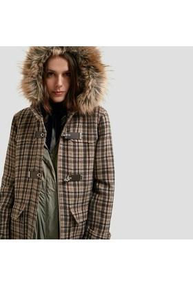Yargıcı Kürk Detaylı Palto