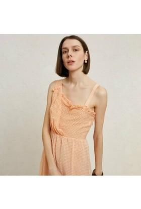 Yargıcı Asimetrik Yakalı Dizaltı Elbise