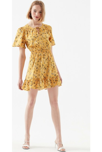 Mavi Çiçek Desenli Sarı Elbise