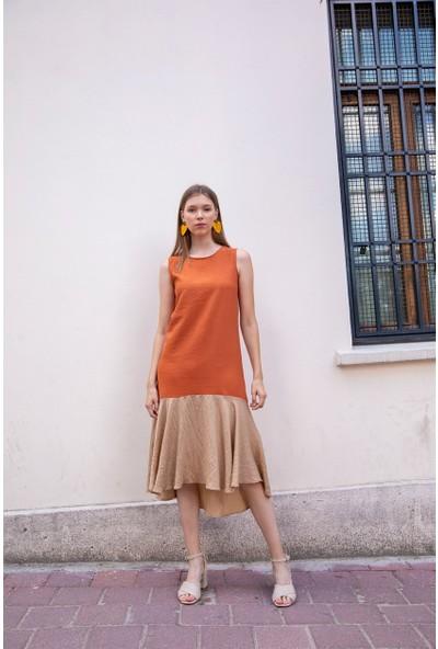 Livanomi Eteği Volanlı Kiremit Elbise