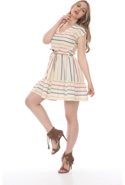 Manche Kadın Beyaz V Yaka Eteği Büzgülü Elbise Mk19S283174