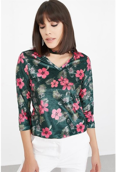 Lafaba Kadın Yeşil Yakası Dekolteli Desenli Kadife Bluz