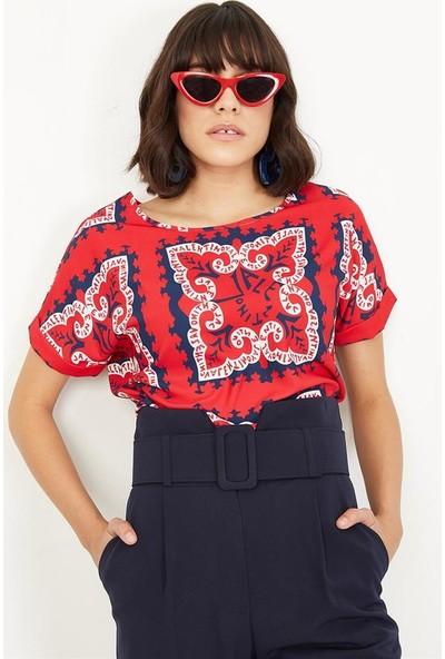 Lafaba Kadın Kırmızı Büyük Beden Desenli Kısa Kollu Bluz