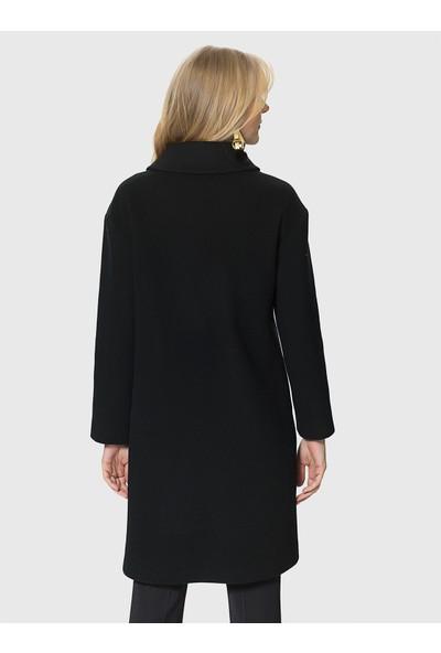 Roman Kadın Düğmedetaylı Siyah Kaban-MDKBN120-001